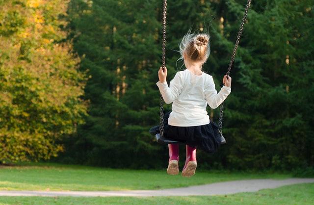 Combien coûte une garde d'enfants en sortie d'école?